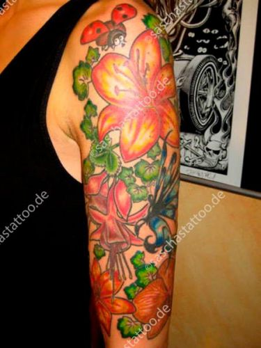 saschas-tattoo-flowers-02